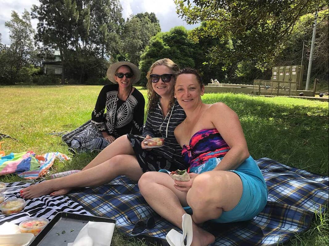 Gerroa picnic with friends